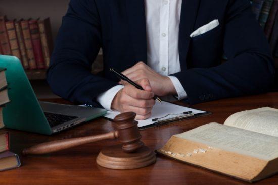 個人サイト売買法律家イメージ