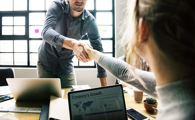 サイト売買で仲介プランを活用するメリットとデメリット